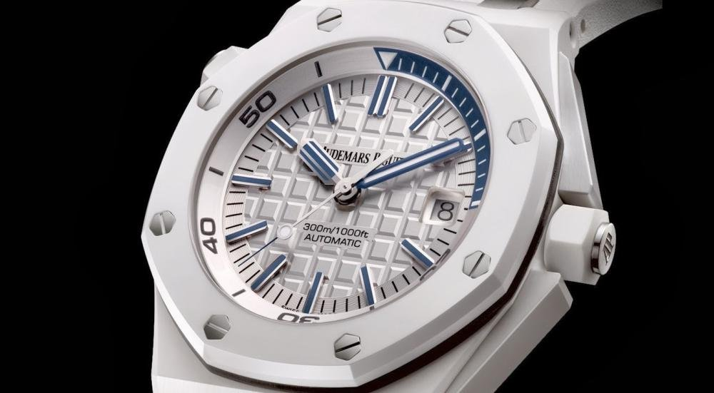 AP_royal_oak_offshore_diver_white_ceramic_dial.jpg
